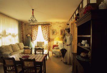 Autrefois la modiste – Séjour / salle à manger ©D.R.