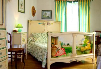 Autrefois la modiste – Chambre à coucher ©D.R.