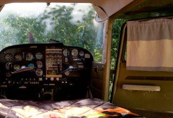 Le Cessna de Natura Lodge – Intérieur de l'avion ©D.R.
