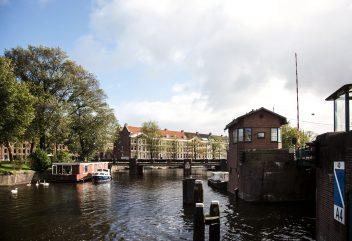 Les bridges houses de Sweets Hotel – Kattenslootbrug ©Photo courtesy of Mirjam Bleeker