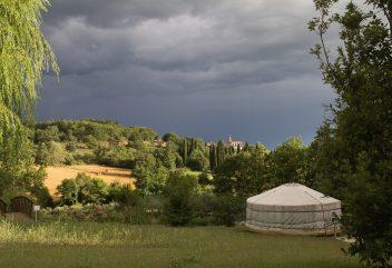 Les yourtes de Natura Lodge –Location insolite avec piscine, entre Gard et Ardèche ©D.R.
